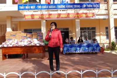 BGH trường THCS Ea Yieng xin chân thành cảm ơn : CTy An Huy Phát xã Hòa tiến -Krông păc cùng các nhà hảo tâm đã hỗ trợ cho HS trường ( 50 xuất quà )đón xuân Kỷ Hợi vui vẻ và đầm ấm ,Đăcj biệt GĐ anh Tuấn chị Huyền ở đường Lý Thường Kiệt TT phước an đã hỗ trợ 200 xuất quà  ( 10kg gạo /xuất ) xin cảm ơn và chúc công ty cùng các nhà hảo tâm mạnh khỏe, HP và thành công trong cuộc sống. Chúc các em ngày càng tiến bộ trong học tập và thành công trong tương lai.