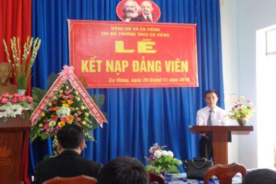 Một số hình ảnh két nạp quần chúng Phan Văn Dần vào Đảng , chúc đ/c cống hiến nhiều hơn nữa cho Đảng vầ cho trường…